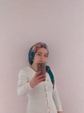 derya, 23, Turkey, Istanbul