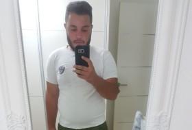 Naor, 21 - Just Me