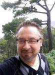moore arnold, 52  , Brugg