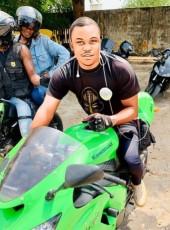 Maximilien, 35, Benin, Cotonou