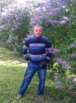 Leonid, 60  , Kommunar