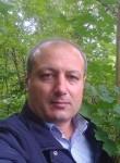 Dumanly, 46  , Mastaga