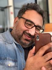 MAHMOOD ALI, 44, Bahrain, Ar Rifa