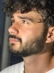 Yusuf Eren, 21  , Istanbul