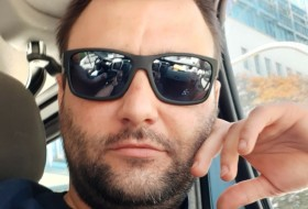 Dario, 33 - Just Me