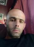 Sergiu, 31  , Bordeaux