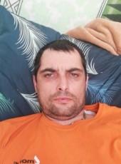 milan Hunka, 41, Czech Republic, Prague