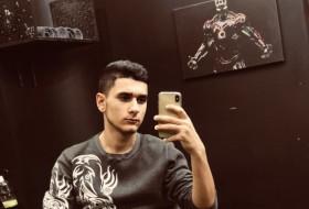 Maga, 21 - Just Me
