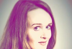Kseniya , 40 - Just Me