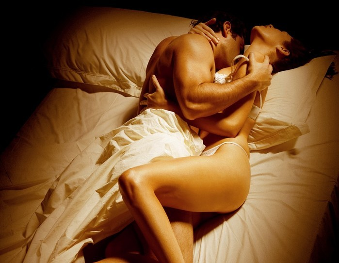 Sex in a bed heaving sexy pictures, true amature nudes