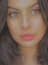 meghia, 20, Algeria, Algiers