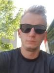 Vasil, 25, Toronto