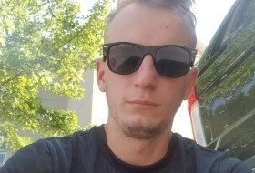 Vasil, 25 - Just Me