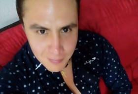 Luis, 28 - Just Me