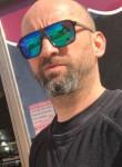 Jo, 47  , Arles