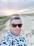 Claytim silva, 41  , Fortaleza