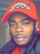 Martial, 24, France, Salon-de-Provence
