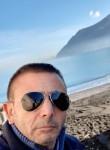 Salvato, 51  , Castellammare di Stabia