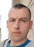 Salvador, 37  , Motril