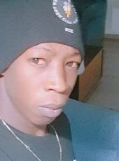 QUI JE SUIS, 26, France, Villeneuve-Saint-Georges