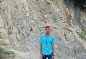 Vlad, 38 - Just Me