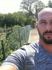 vincenzo, 38, France, Saint-Martin-de-Crau