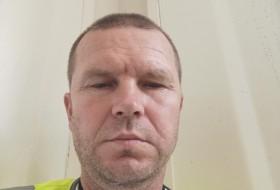 Dan, 46 - Just Me