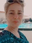 Meylin , 33  , Paramaribo