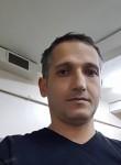Hasan, 39  , Istanbul