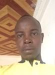 alim, 20  , Yaounde