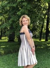 oksana, 34, Russia, Adler
