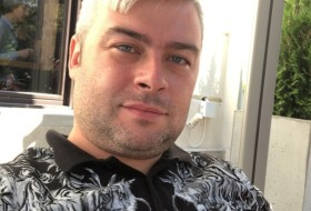 Andrej, 32 - Just Me