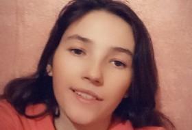 Albina, 21 - Just Me