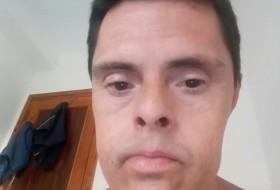 JAVIER, 49 - Just Me