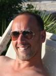 olivier guena, 43  , Saint-Cloud