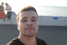Asror, 25 - Just Me