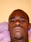 Binho, 26  , Libreville