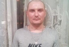 Eduard, 32 - Just Me
