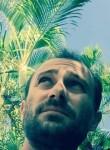Alexandre, 38  , Saint-Benoit