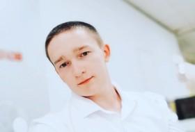 Gennadiy, 23 - Just Me