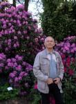 viktor, 72  , Riga