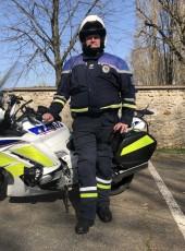 taz, 41, France, Rosny-sous-Bois