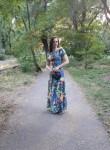 Lyudmila, 33  , Bataysk