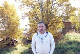 Viktor, 45 - Just Me