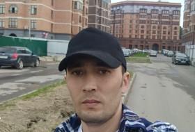 Vadim, 32 - Just Me