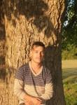 Chris , 27  , Chatham