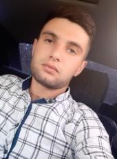 Akob Avagyan, 25, Armenia, Yerevan