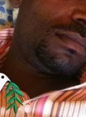 قدورة, 32, Sudan, Singa