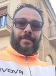 Leandro, 38  , Caltanissetta