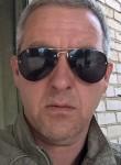 pavel , 51, Borovichi